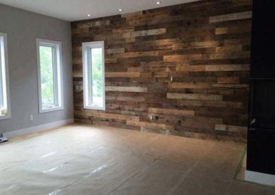 Mur de chambre de bois de grange mixte